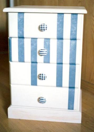 portfolio 30/37  - Mesa cabeceira, motivo linear azul