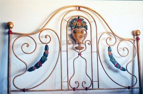 portfolio 23/37  - Restauro cama ferro, restituição tons originais (restauro)
