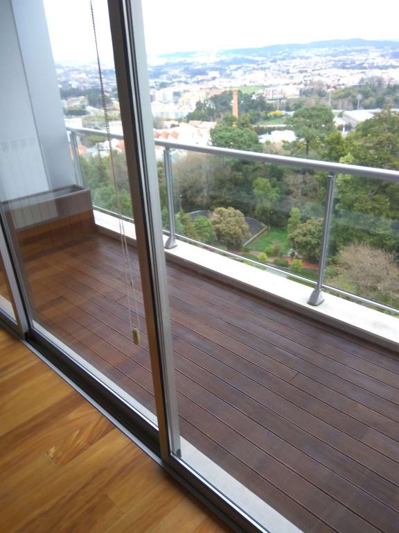 portfolio 83/119  - Aplicação de verniz satinado da Cin clássico em chão de madeira
