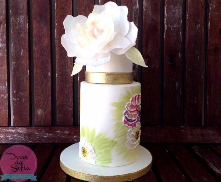 portfolio 14/16  - Bolo de casamento pintado à mão com flor em folha de hóstia