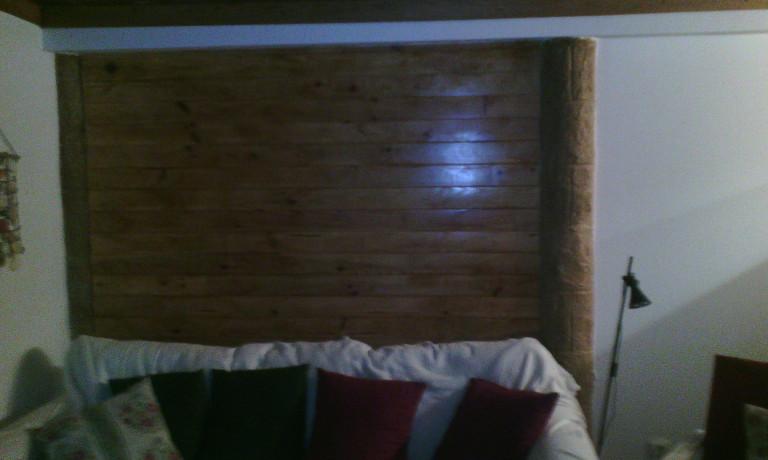 portfolio 20/43  - parede em pladur com lambril em pinho de casa de ferias