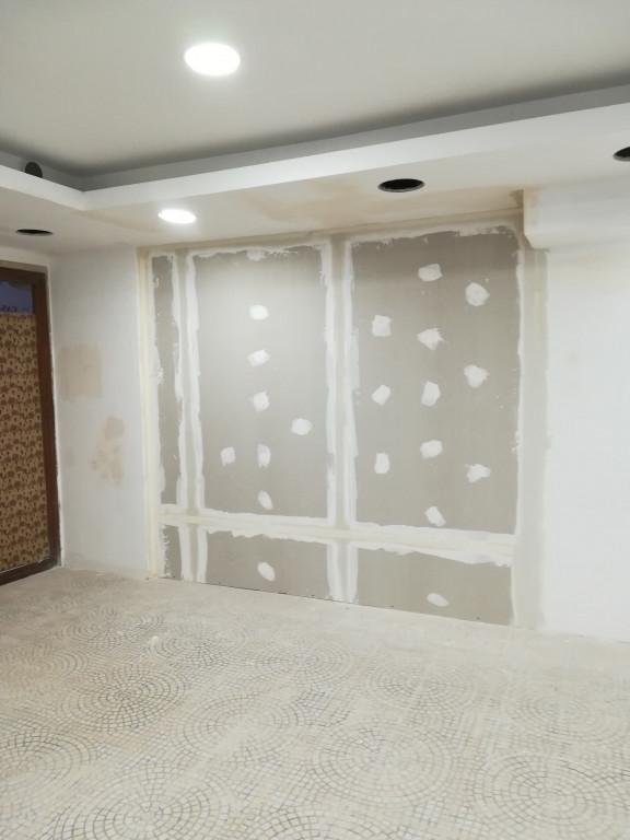 portfolio 3/43  - loja de roupa em cascais cliente Zaask reparaçao de parede em pladur