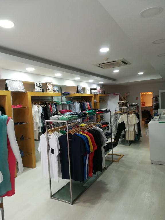 portfolio 1/43  - loja de roupa em cascais ja pronta