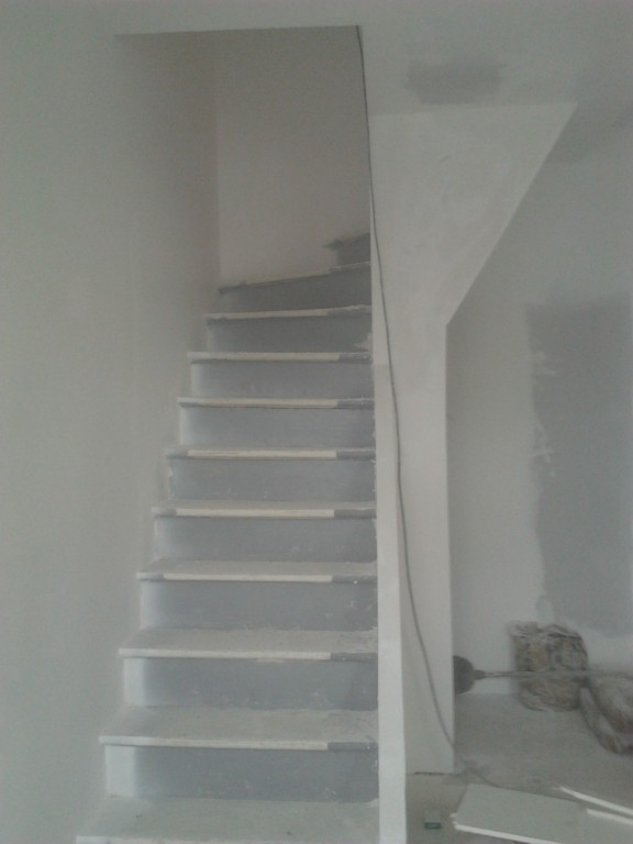 portfolio 38/43  - forro de escada e paredes em pladur - belgica