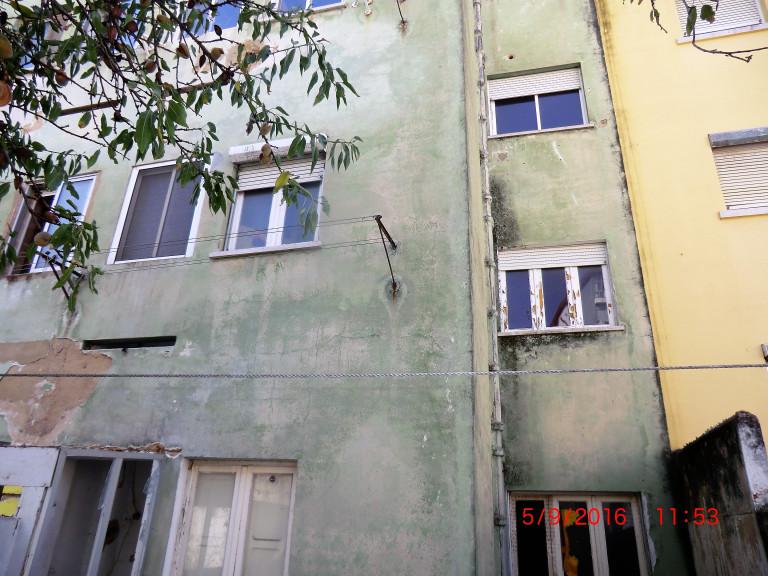 portfolio 8/9  - Reabilitação de edificio(capoto) em Setubal-antes