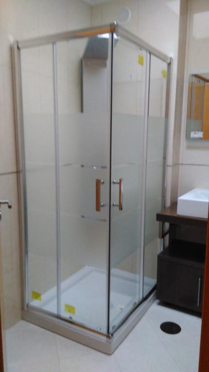 portfolio 3/22  - Montagem de cabine de duche
