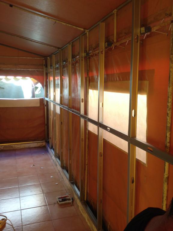 portfolio 11/26  - Montagem de 3 quartos em tenda de campismo familiar. Pladur
