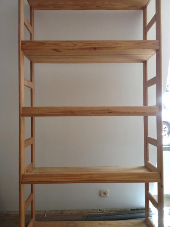 portfolio 7/26  - Restauro de estantes de madeira
