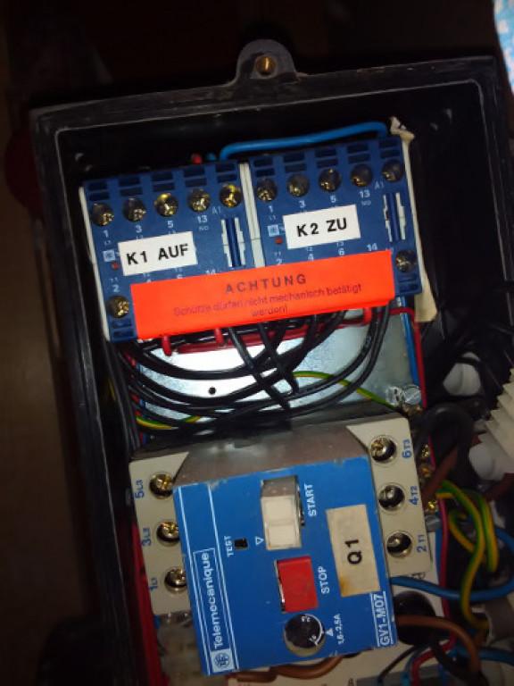 portfolio 29/54  - Reparação de avaria num portão automático