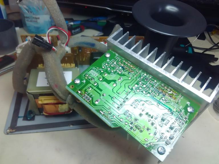 portfolio 12/54  - Reparação Yamaha HS5