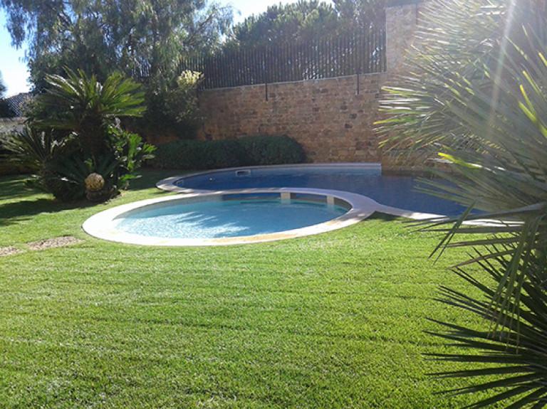portfolio 12/13  - Jardim com piscina
