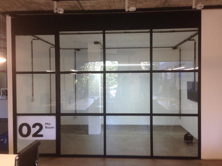 portfolio 7/12  - Vão metálico em ferro e vidro duplo
