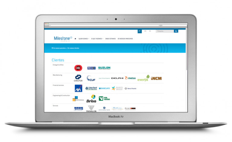 portfolio 33/84  - Website- Milestone
