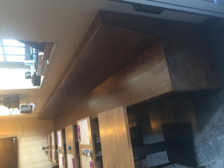 portfolio 2/41  - Bancos em madeira maciça