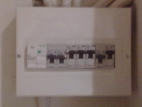 portfolio 2/7  - Instalação, reparação, remodelação e manutenção de quadros electricos.
