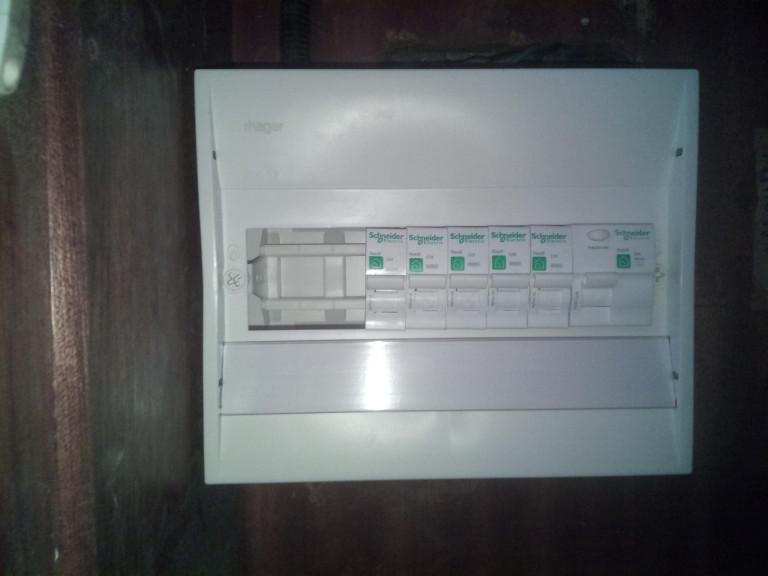 portfolio 6/14  - Quadro eletrico instalado