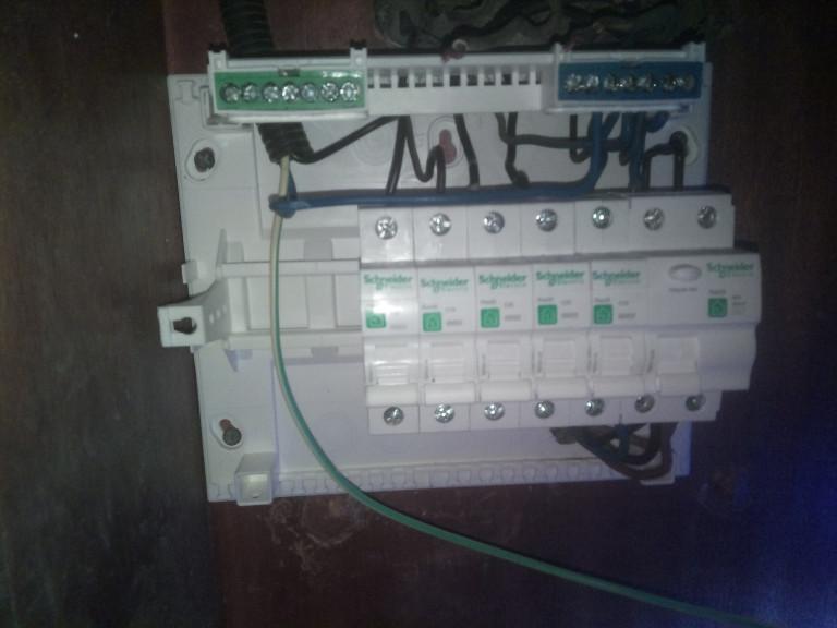 portfolio 4/14  - instalação de quadro electrico novo