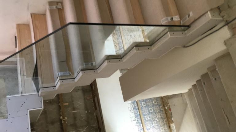 portfolio 3/20  - Escada Interna
