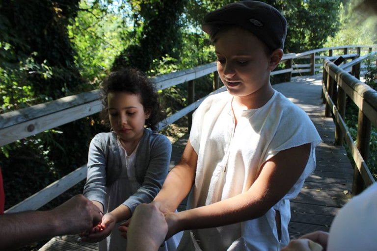 portfolio 5/7  - Teatro Sensorial com crianças