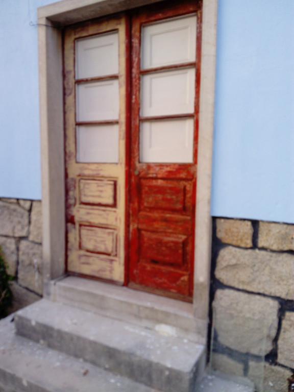 portfolio 22/38  - Remodelacao e pintura de portas (antes)