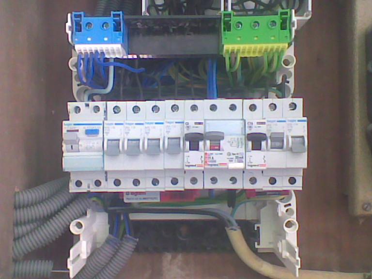 portfolio 5/9  - Quadro eléctrico de cabeleireira.