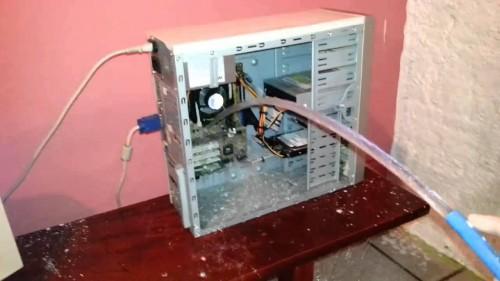portfolio 2/6  - NÂo Lave o seu computador á Mangeirada, contacte-nos fazemos a limpeza do seu equipamento informático
