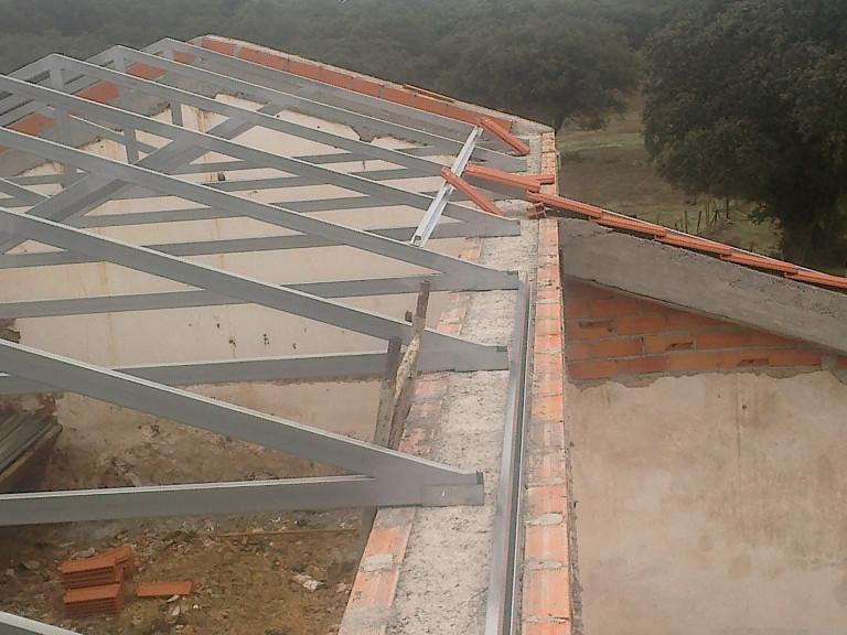 portfolio 44/46  - coberturas em estrutura galvanizado, omegas e telha de barro