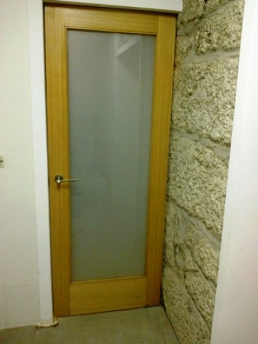 portfolio 31/90  - Porta interior Pivot Cozinha - Rio Tinto