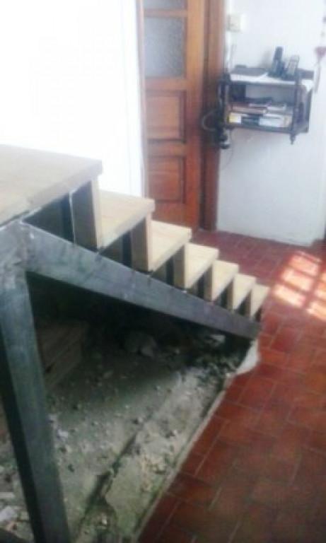 portfolio 17/90  - Escada Madeira Pinho- Antes