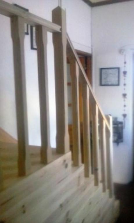 portfolio 16/90  - Escada Madeira Pinho- Antes