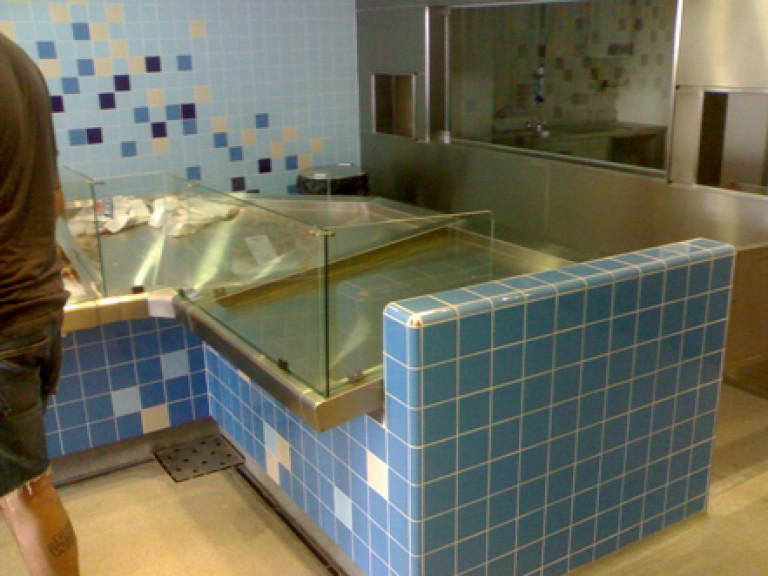 portfolio 27/65  - Trabalhos azuleijos e com INOX loja de peixe