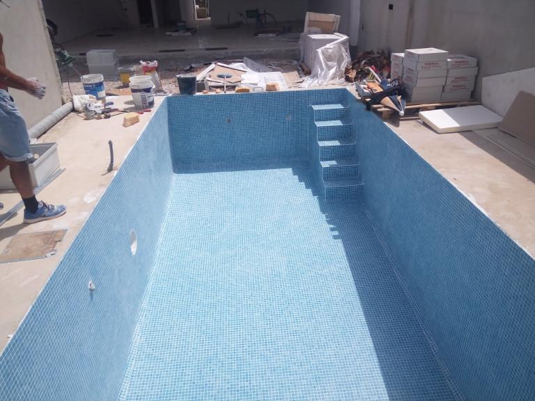 portfolio 8/65  - Construção de piscinas
