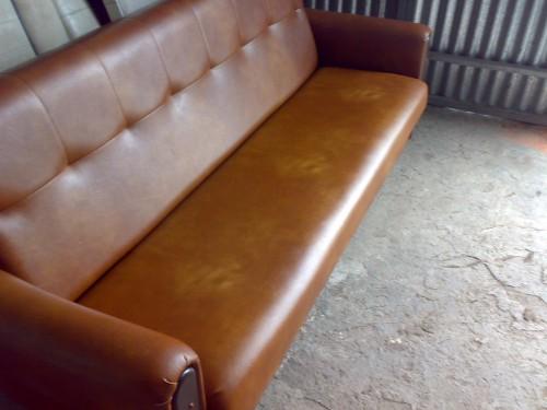 portfolio 8/10  - Restauração de sofá antigos