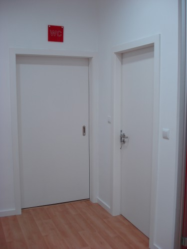 portfolio 5/9  - colocação e pintura de portas
