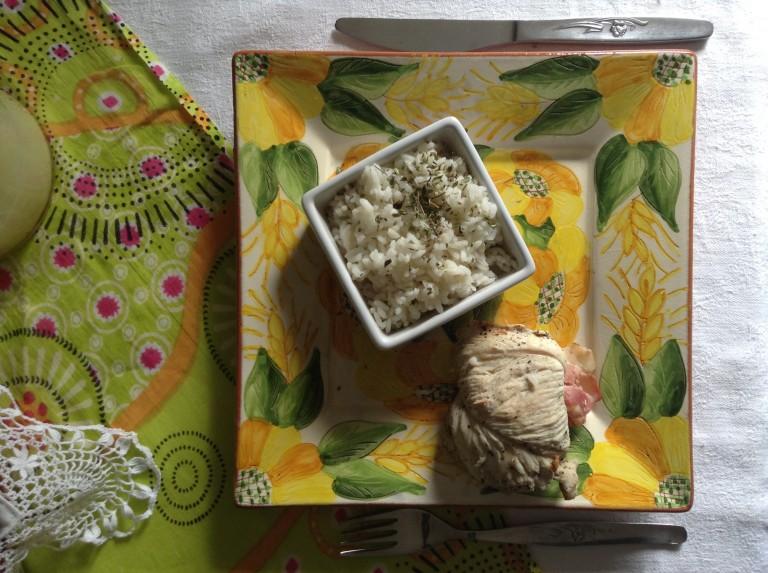 portfolio 42/65  - TOP BY: Bife de Peru enrolado em ameixa e coco com arroz de tomilho limão ao vapor
