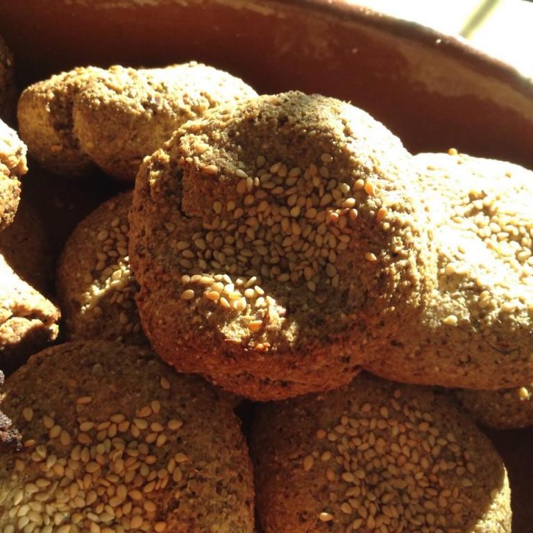 portfolio 27/65  - Mini Pães de centeio com sementes de sésamo