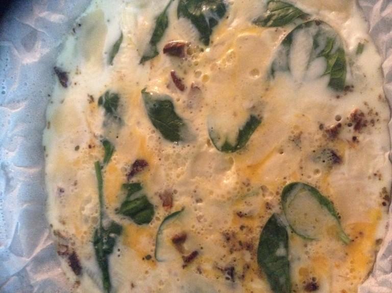 portfolio 8/65  - Omelete de claras e espinafres frescos ao vapor com queijo e tomate seco