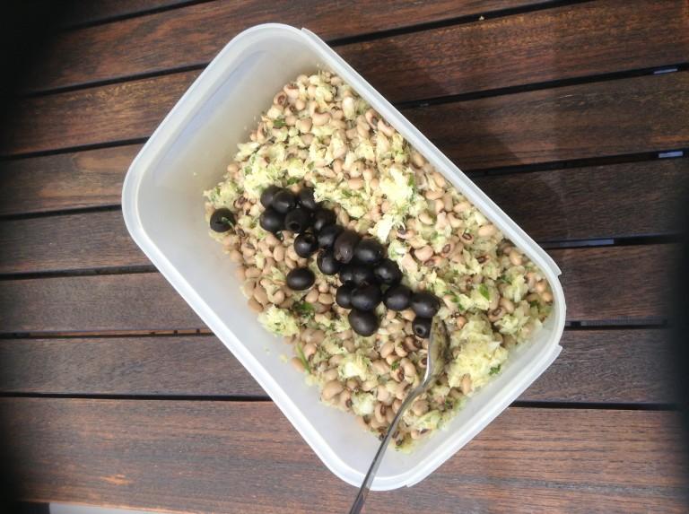 portfolio 2/65  - Salada fria de bacalhau com feijão frade