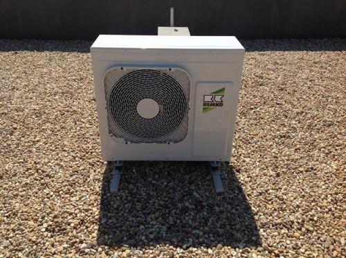 portfolio 16/163  - Bomba de calor com painel solar