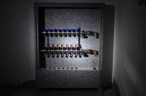 portfolio 103/163  - Piso radiante hidráulico- Caixa de colectores personalizada