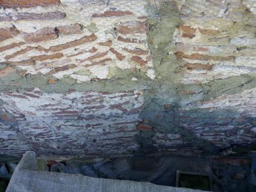 portfolio 34/51  - Enchimento com argamassa apropriada em sitio de estrutura deteriorada