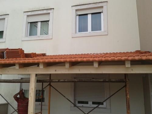 portfolio 3/8  - Construções de telheiros em madeira