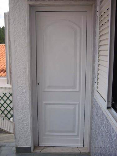 portfolio 18/23  - Portas de Entrada com Painel decorativo