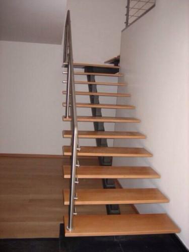 portfolio 1/23  - Escadas metálicas