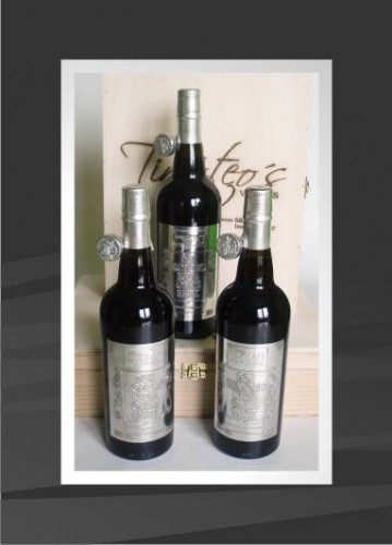 portfolio 6/53  - Rótulos em estanho personalizados para garrafas de vinho do porto