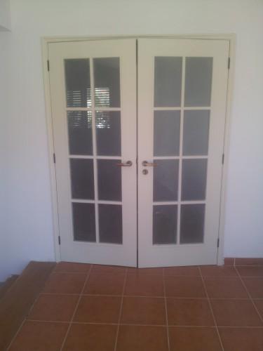 portfolio 147/236  - pintura de portas e ombreiras ( depois da pintura )
