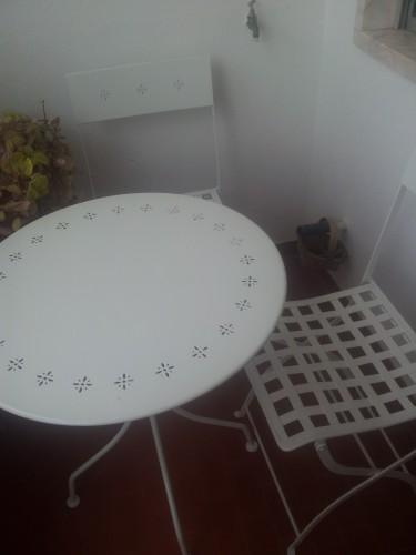 portfolio 165/236  - mesa e cadeiras depois de recuperada