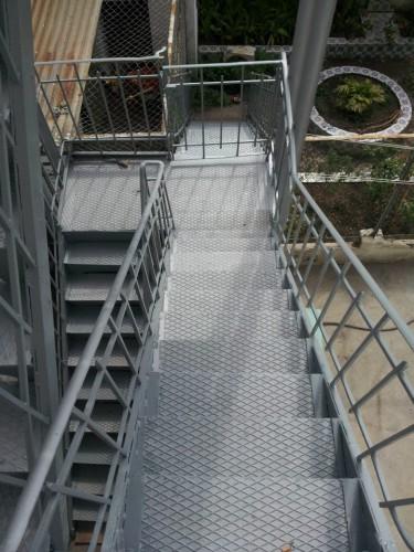 portfolio 5/12  - Escada em ferro