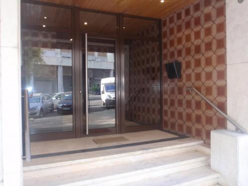 portfolio 8/12  - Porta de Entrada - Acesso a prédio