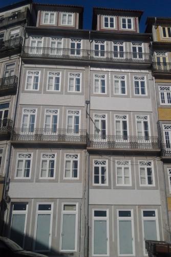 portfolio 17/30  - Remodelação de edificios (Largo dos Lóios - Porto)